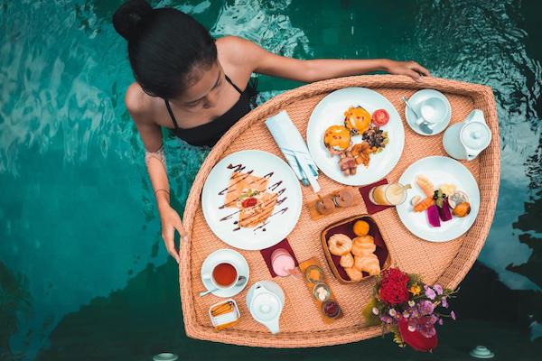 ubud floating breakfast