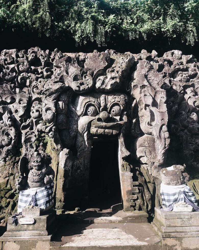 olifantsgrot bali tempel