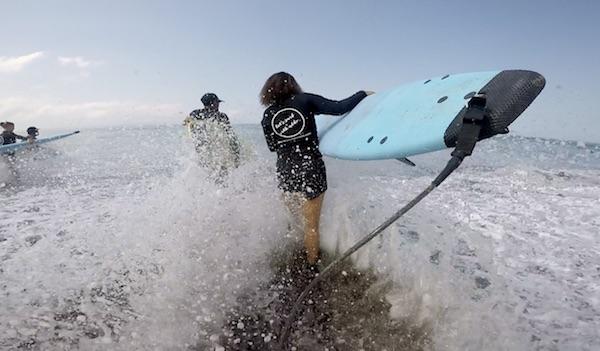 Leren surfen bali