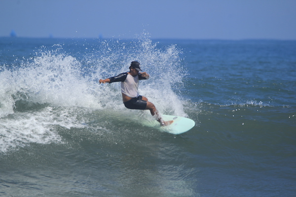 echo beach canggu surfen